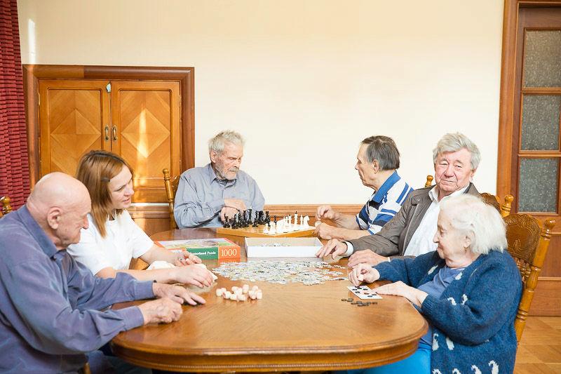 дом престарелых семей