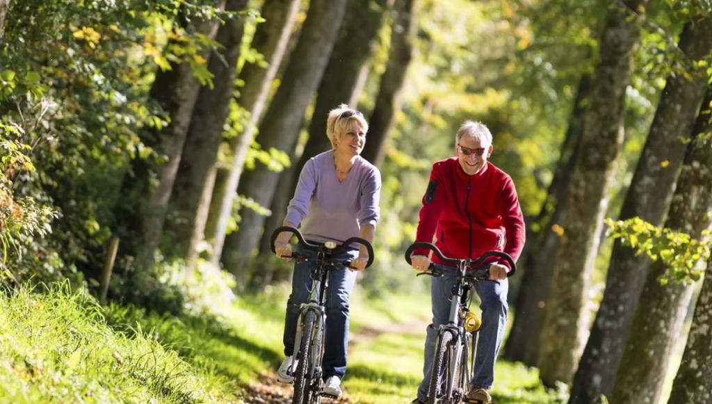 велосипедные прогулки пожилых людей